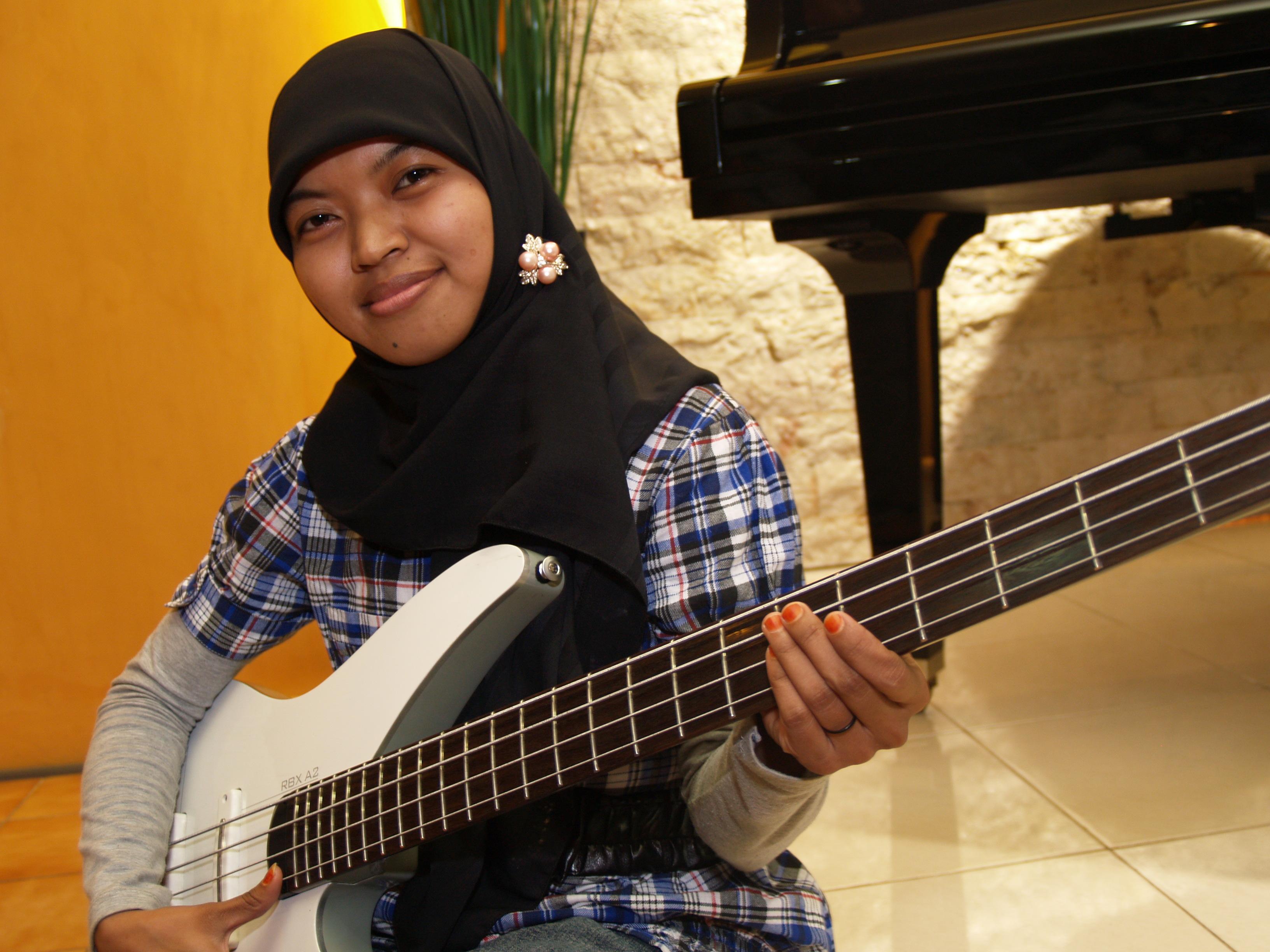 Tentang Cinta.  sc 1 st  Salmah Sumayya - WordPress.com & Cinta Bisa Mengubah Benci Jadi Bahagia | Salmah Sumayya